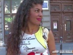 Hot Laurita mostra seu bichano raspado e bicho perky