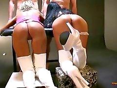 De bukkake gangbang avec deux filles qui allemands chauds