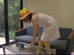Нахо Коджима работает магия с ее ртом и киской