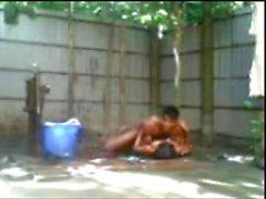Bangladeshi pojke som n flickan knullar Särskilda toalett