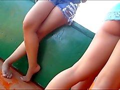 Loira gostosona pagando bundinha na praia - BR