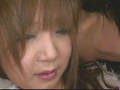 Pervert Asiatisches Schätzchen Mizukis Ishikawa Muschi lecken sowie schlug bis zum Orgasmus