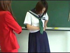 165 CLASSIC Studentenschmuggel Ruft Schwere Schlag auf den Hintern von HOT Japansese Lehrer