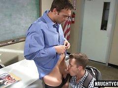 Hot jock spanking et éjaculation