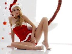 Beyaz Boxxx - Ukraynalı sarışın ile yoğun Noel seks Nancy A
