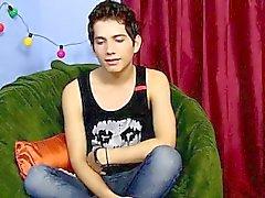 Le porno gay dix-huit ans Giovanni Lovell est une impo espagnole