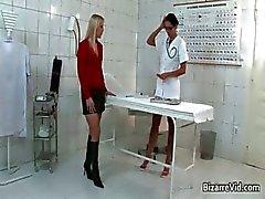 Smerig en sexy dokter krijgt haar kut part5