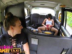 Taxi falso enmascarada picaruela caliente en medias de red de zorra
