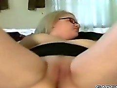 горячего круглолицый подростковый мастурбировать а Брызги