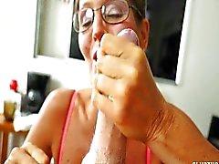 Naughty Aikuinen Lady imee ja nykimistä