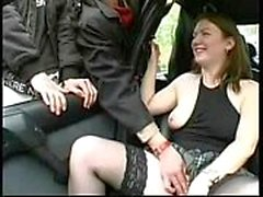 Dogging esposa con extraños. Desnudo público