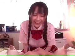 Japanischer School Brillen Hahn zum kotzen