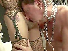 Секси Dom трахает её Суб