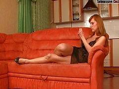 Olga vernederende haar cuckold man
