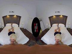 Симпатичная блондинка студент Эльза Жан трахает как сумасшедший в VR