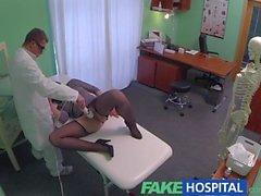 Fake Hospital G noktası masaj yağmurlu hastada seksi esmer alıyor