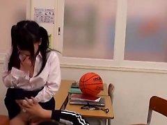 Flaco adolescente japonesa digitados y cogido