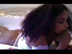 Ebony babe tatiyana Fox yksin hauskaa iso musta dildo