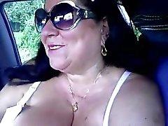 Бабушки Handjob # семь Chunky Итальянские в автомобиле