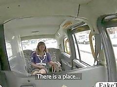 Betrügerisch Taxifahrers bumst ein Ebenholz chick