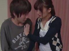 Codiciosa milf japonesa da paja y mamada