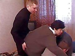 парни доставить удовольствие для мамы