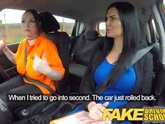 Fake Driving School Peituda lésbica ex-presidida come buceta gostosa em teste