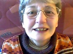 Nerdy del Granny Obtiene boca llena de Semen