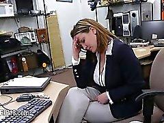Voyeur hardcore penetrando en el lugar público
