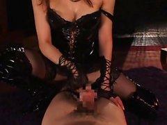 Kinky Jap Akiho Yoshizawa joue ses fantasmes de bondage
