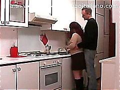 Casalingua Italiana in asada - Italiano ama de casa regordete