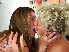 Jugendliche genießen Sex Omas