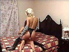 Marta & Veronica - Sua primeira vez com uma prostituta .