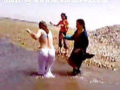 Pakistanischen von Karatschi Sindh Tantchen Akt River Bath
