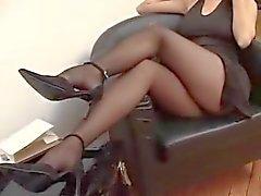 Suzana em meia-calça preta