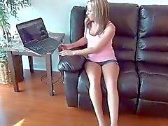Stap - Zuster betrapt Brother kijken voet porno