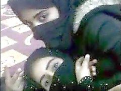 مولات الخمار arabiemiirikunnat lesbo rakkaus