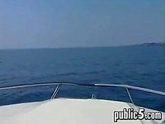 Dadurch Viel verdammtes außerhalb an einem Boat