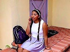 niñera adolescente latina jizzed