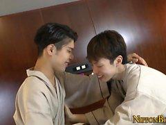 twink Gay aspiré par asiatique