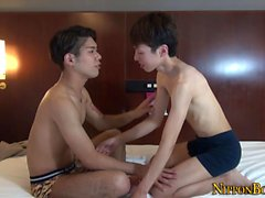 Gay twink sucked by asian