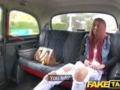 Fake Taxi Redhead tiene buen culo y coño mojado