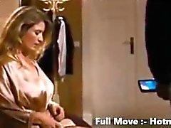 Hotmoza - Mutter ist nackt für Sohn Sehr sexy Milf
