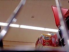 Milf Supermarket Upskirt de negro bragas de