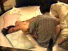 Японские жену ударил по не наступать брат
