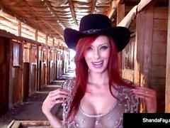 Jehova! Hot CowGirl Ficken von kanadischen MILF, Shanda Fay!