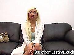 Hot Blonde Asian Assfucked und Sahnetorte