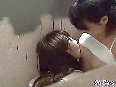 Азиатский лесбийские подростки целовал