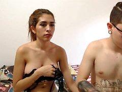 Japanisches Mädchen der großen Brüste schlug durch zwei Hahn part2