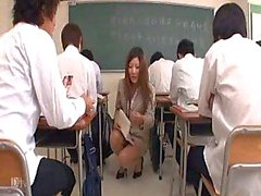 Japon Öğretmen ... F70 Bir Ders Part1 alır